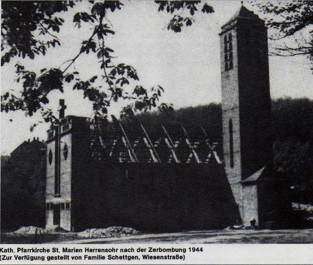 Doro Backes - Kath. Kirche 1944 nach Zerbombung