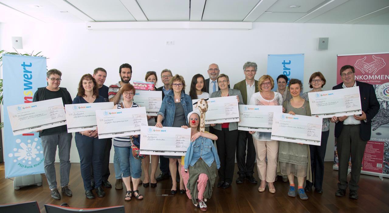 PM_160610 Spendenübergabe Stiftung PSD LiebensWert (Fotograf Anton Minayev) Kopie